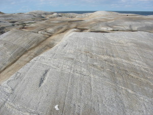 Glacial_striae_in_Kosterhavet_national_park-300x225